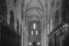 Romanisches Langhaus der Stiftskirche mit Chorgestühl